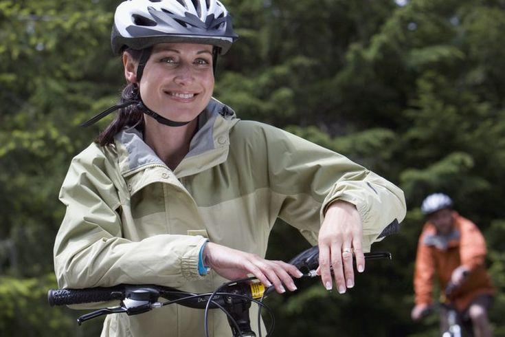 Las mejores bicicletas de montaña para mujeres. Las bicicletas de montaña te dan la libertad para seguir los senderos más excitantes al aire libre. Una bicicleta de montaña está especialmente diseñada para su uso fuera de la carretera con neumáticos de tacos y anchos, y un duro marco durable. Las ...