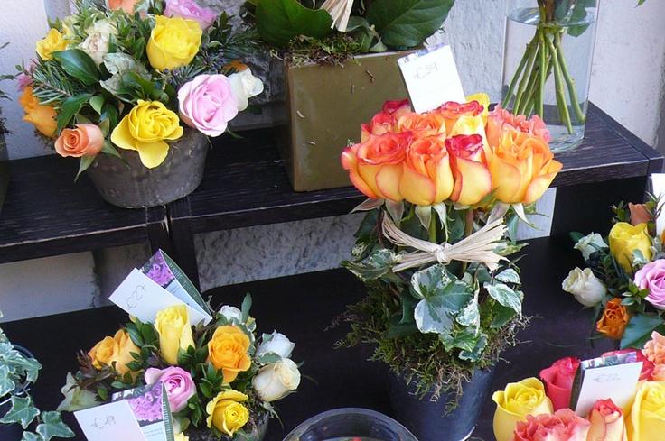 Caccia al Tesoro Invaderstyle Indizio#8    Questo è l'ottavo indizio fotografico e raffigura una bancarella di fiori nei pressi del manifesto.    Clicca qui per maggiori informazioni:  http://www.invaderstyle.com/dove-come-quando/caccia-al-tesoro/