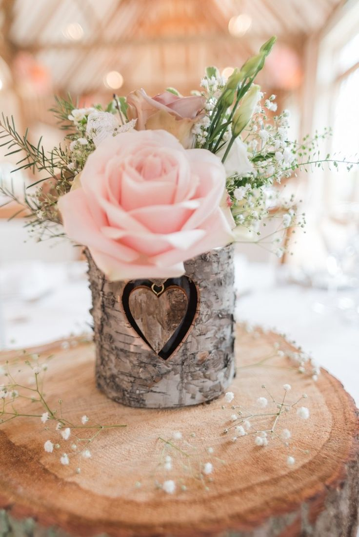 Heart Log Bark Flowers Slice Centrepiece Roses Decor Pretty Pale Pink Country Barn Wedding http://kerriemitchell.co.uk/