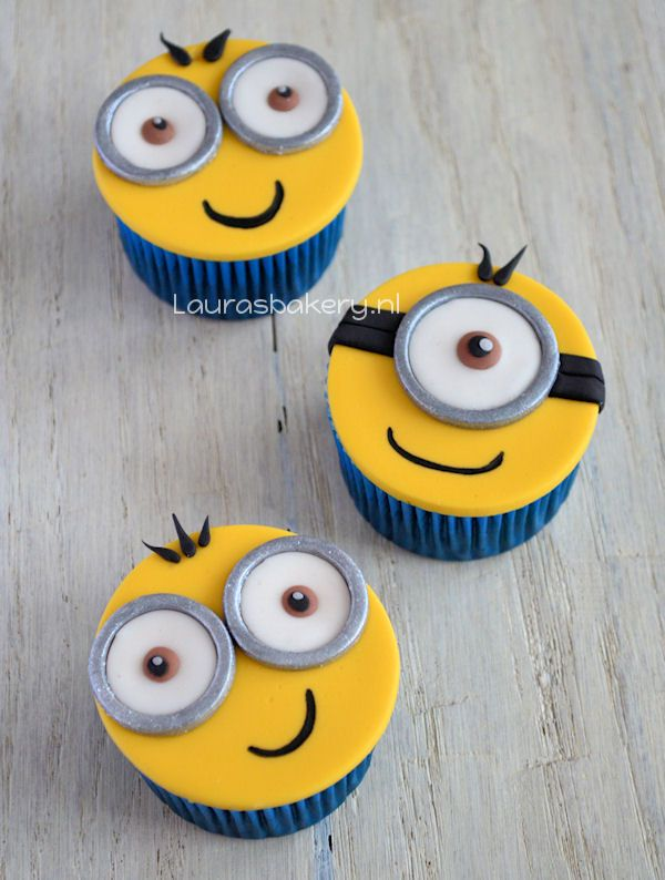 Minion Cupcakes - Laura's Bakery Perfect for a DYI Bday party!