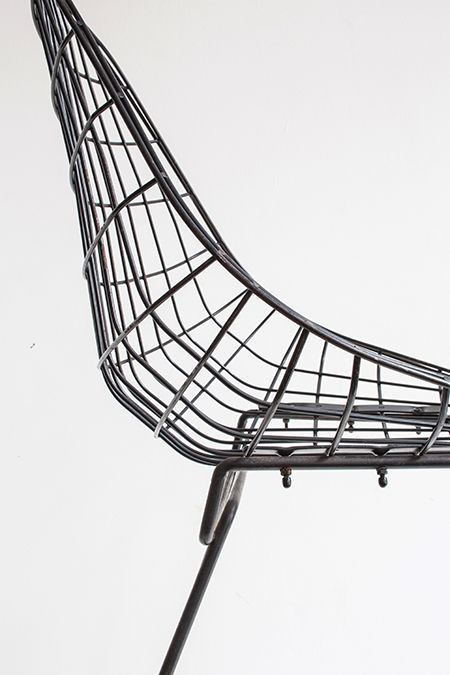 17 best images about chairs on pinterest armchairs for Chaise wire eames