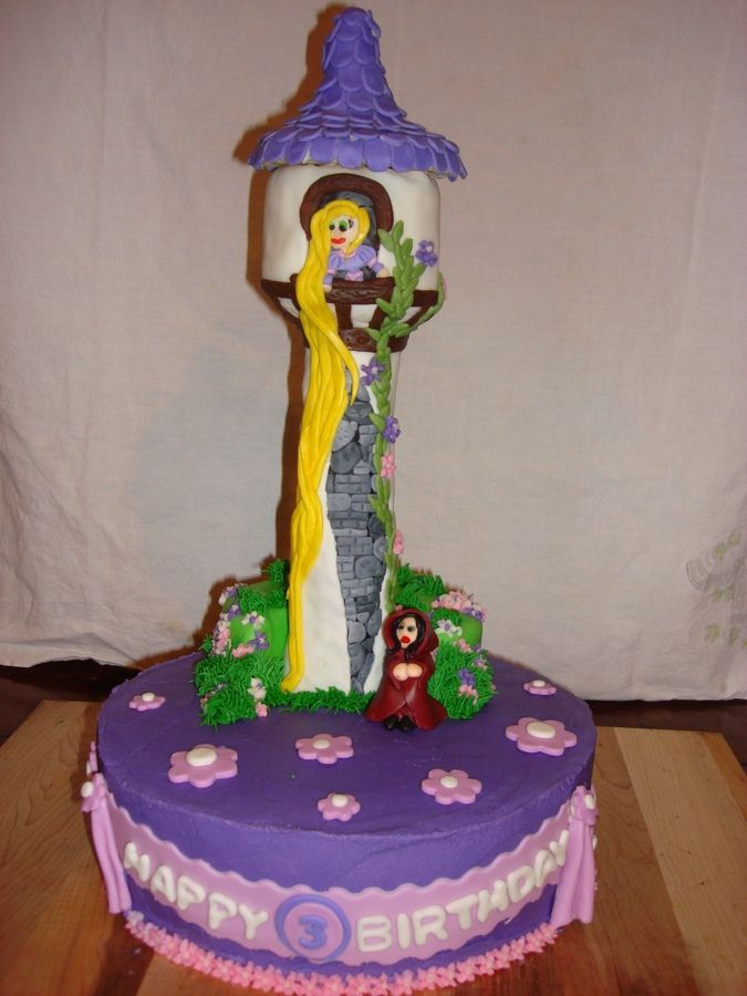 Rapunzel Cake Decor : Rice Krispy treat tower, mmf decorations, buttercream icing. Rapunzel /tangled cake research ...