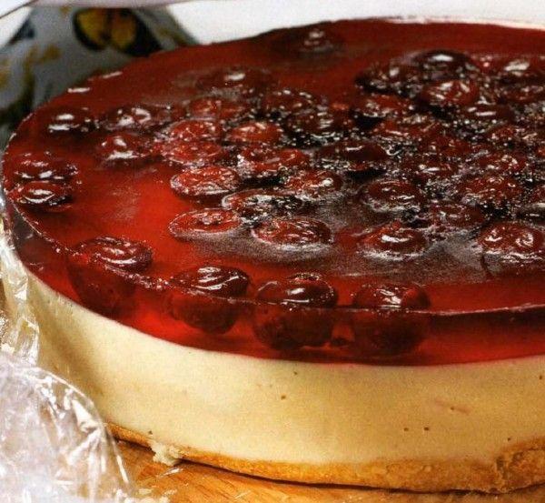 Пирог торт с консервированными персиками