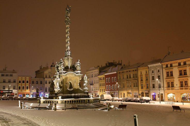 Morový sloup, Dolní náměstí