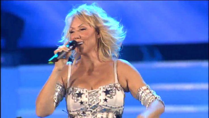 Lepa Brena - Recite mu da ga volim - (LIVE) - (Beogradska Arena 20.10.20...