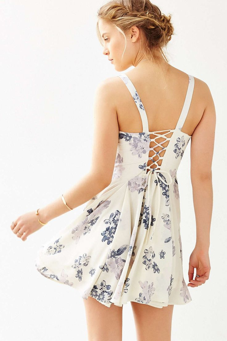 Margot Crepe Floral-Printed Day Dress - Urban Outfitters
