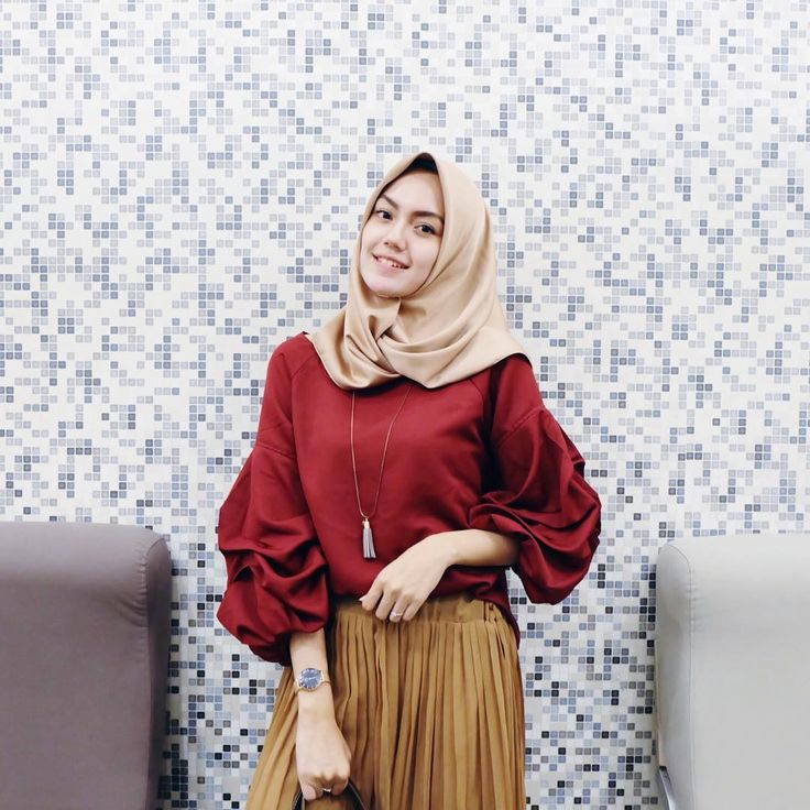 """8,608 Likes, 71 Comments - CINDY LEVINA CLEVINA (@cindylevinaa) on Instagram: """"Maroon top by @houseofcanvasbag ❤️ I liked it, thankyou!"""""""