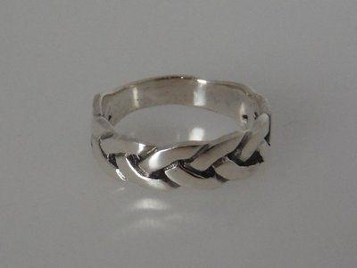 Zilveren gevlochten ring