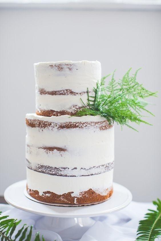 Υπέροχες γαμήλιες τούρτες διακοσμημένες με φτέρες gamosorganosi