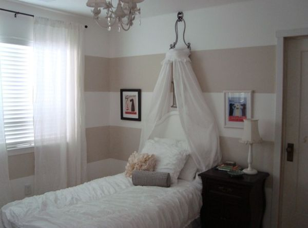 17 best ideas about canopy beds for girls on pinterest for Small room 4 letters