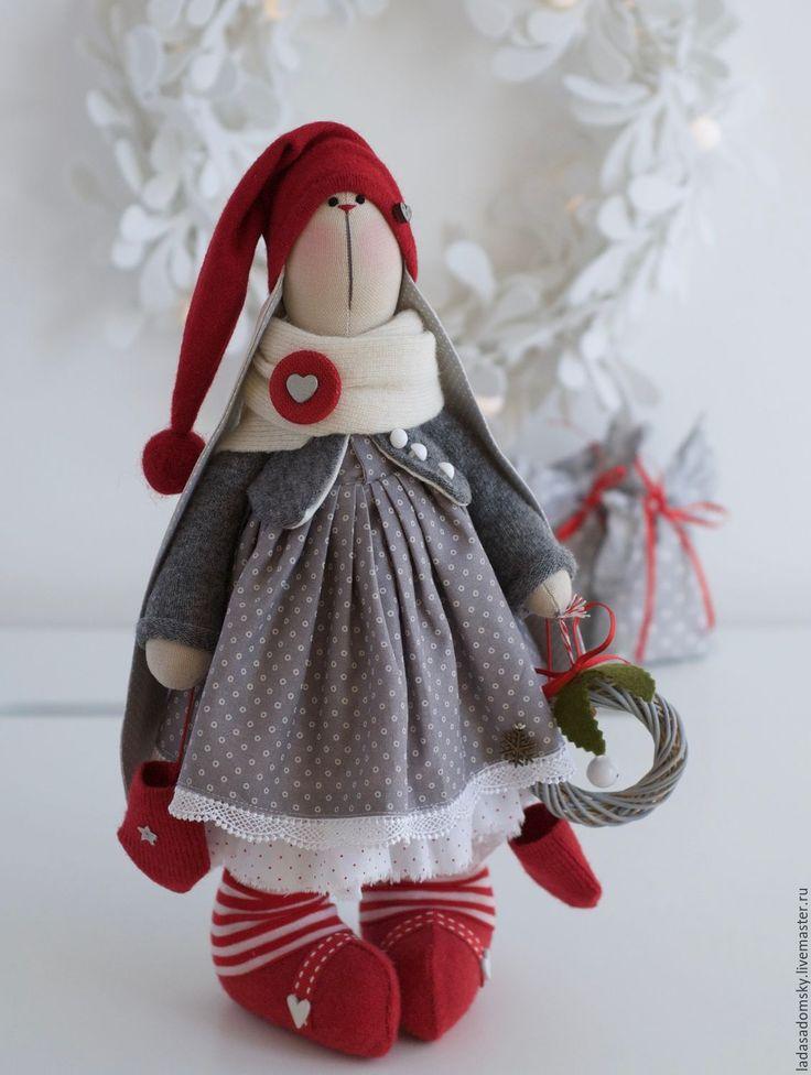 """Купить Новогодняя зайка """"Брусничка"""" - текстильная игрушка 38 см - ярко-красный, новогодний зайчик"""