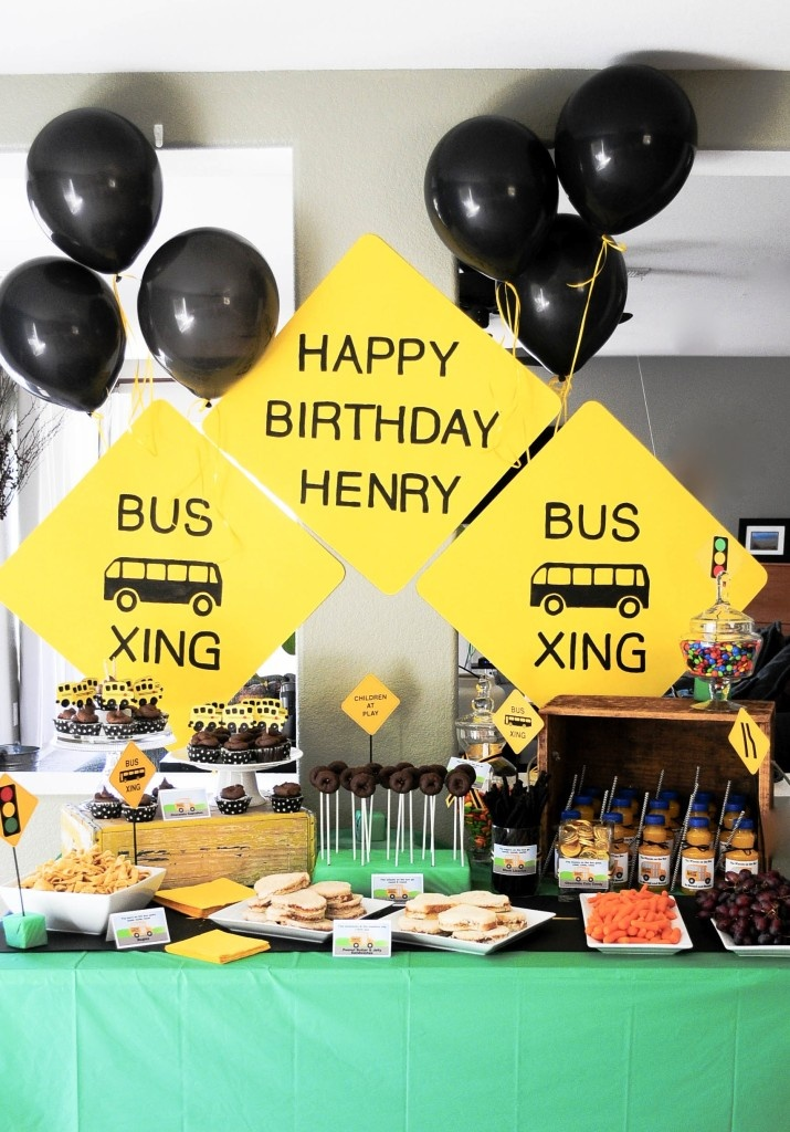 Wheels on the Bus Birthday Party - so cute! great for a school party too!  www.marigoldmom.com