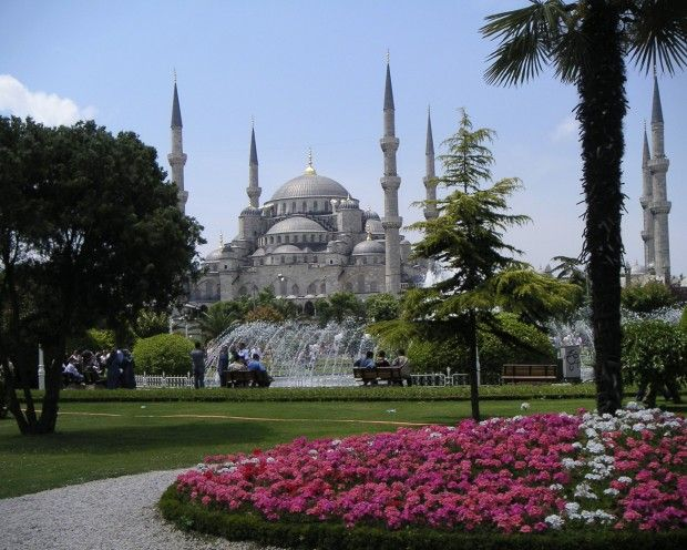 Blue Mosque (Sultan Ahmet Camii) – Istanbul, Turkey
