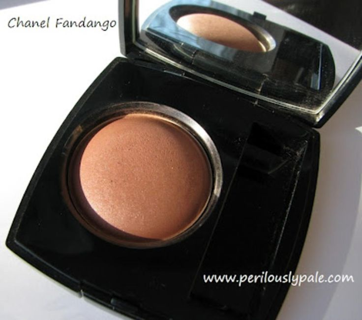 Chanel Joues Contraste Blush 57 Fandango - Swatches and Review.