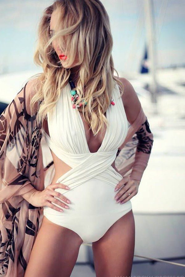 ad2ba6651652 Costumi da bagno interi per l'estate 2015 #costume #swimsuit #costumeintero  #costumesgambato #costumecurvy #estate2018 #estate #summer #moda #fashion #  ...