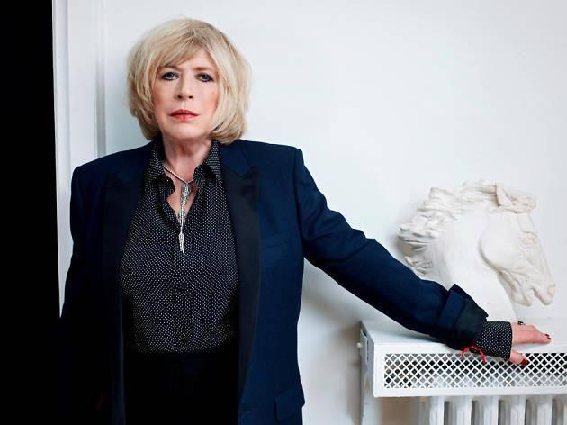 Στη σκηνή του Μπατακλάν η Μαριάν Φέιθφουλ: Η Bρετανίδα τραγουδίστρια Μαριάν Φέιθφουλ τραγούδησε χθες βράδυ για πρώτη φορά στην αίθουσα…