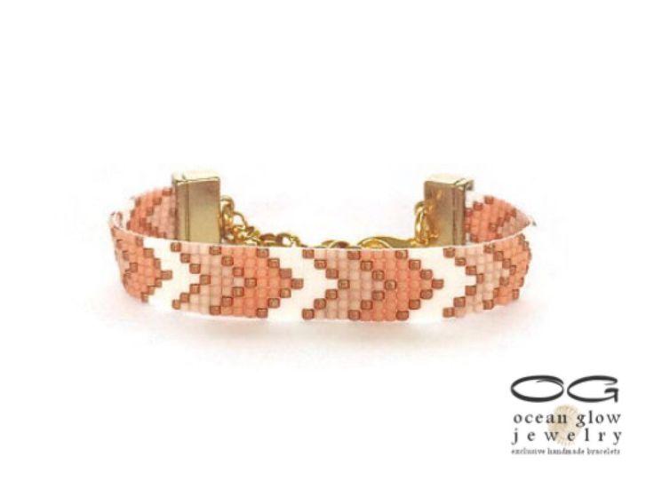 Een persoonlijke favoriet uit mijn Etsy shop https://www.etsy.com/nl/listing/212252761/sparkles-chevron-armband