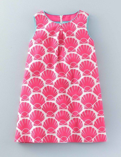 Sweet enough to party, tough enough to play, Mini Boden's Summer Printed Dress is fully lined and comes in two bold, bright prints.