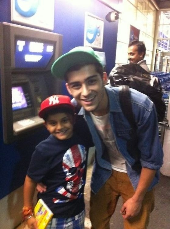 there's something about zayn and kids that just, gets me