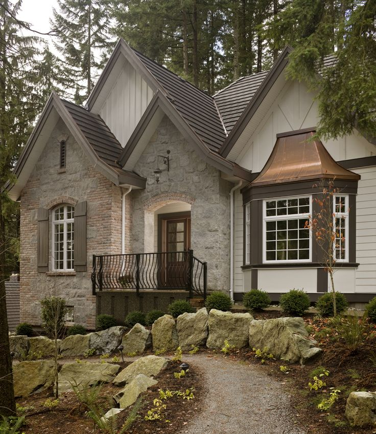 Best 25+ Stone exterior ideas on Pinterest | DIY exterior veneer ...