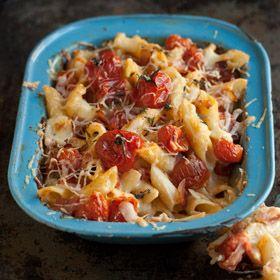 Macaroni cheese with crispy bacon