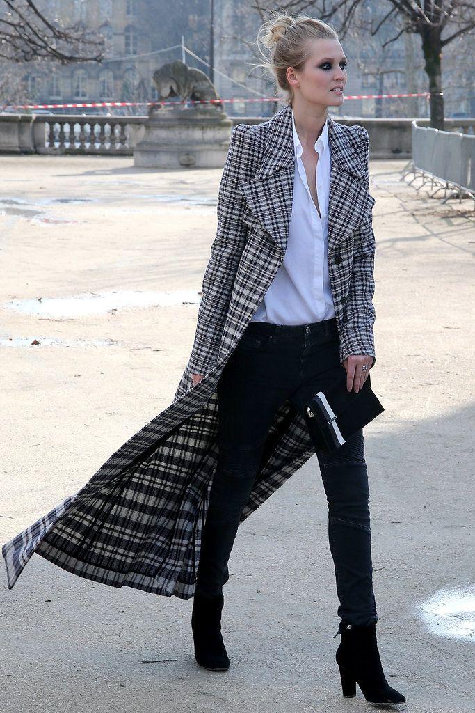 Model Street Style at Paris Fashion Week Fall 2016 | POPSUGAR Fashion