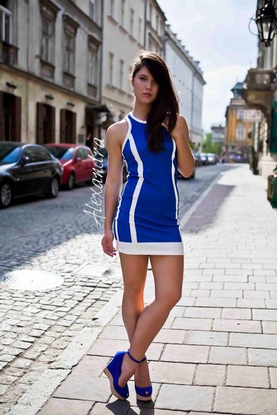 On www.alexandrashulika.com . I am wearing Zara dress