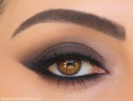Un maquillage pour des yeux noisette! conseil: mettez une touche de fard à paupière banc, champagne ou rosé au coin de l'œil pour illuminer! MISS CHOCO :)