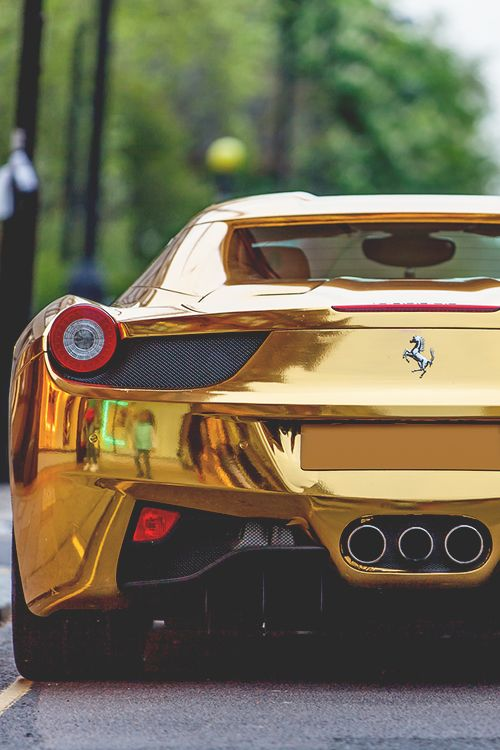 Gold Ferrari ~I'll have one of these please ferrari #experiencia http://www.regalosparahombres.com/tienda/conducir-ferrari                                                                                                                                                      Más