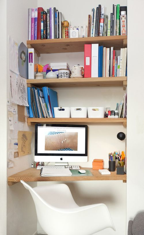 Small Workspace // Desk // Office // Apartment // House // Home Decor // Interior Design // Styling // Decoration // Vignettes