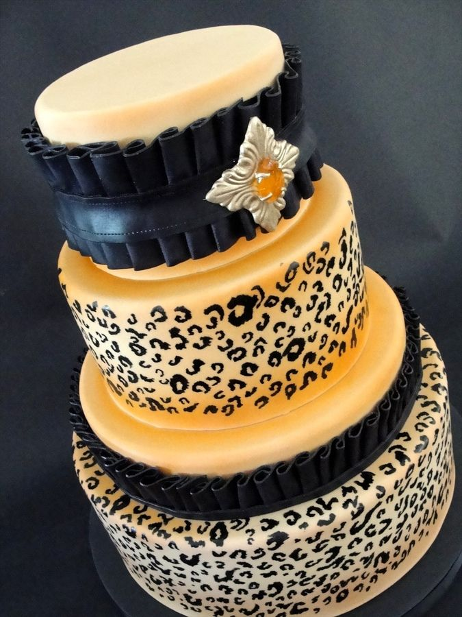 white background instead of tan and red ribbon instead of black    Cheetah Print Wedding Cake | Leopard Print — Round Wedding Cakes