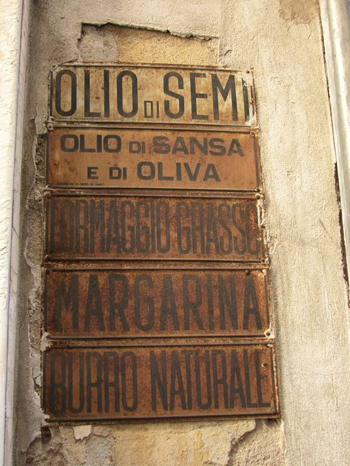 lucca_shop_sign