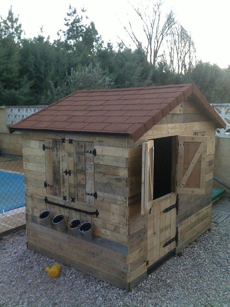 Casita infantil de jard n hecha con palets te encantar for Casas madera ninos jardin