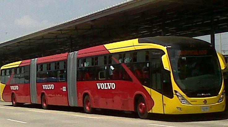 Chassi Volvo. Marcopolo Viale BRT Biarticulado. Sistema de BRT Transmilênio. Bogotá, Colômbia.