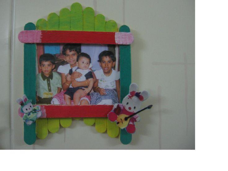 Een fotolijstje van ijsstokjes gebruik goede lijm craft for Handmade wall frames ideas