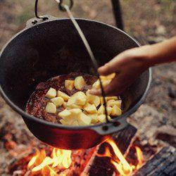 Bogracz - gulasz mięsny z ziemniakami, papryką i pomidorami | Kwestia Smaku