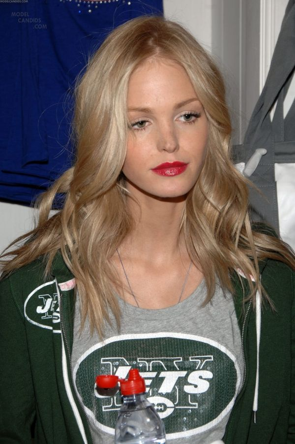 Erin Heatherton beautiful blonde shade