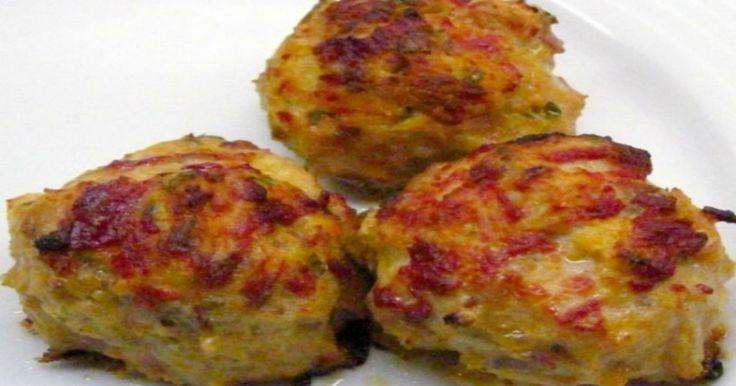 Κεφτεδάκια λαχανικών:Ιδέα για να φάνε τα παιδιά λαχανικά.Υλικά 4 μεγάλες πατάτες 4 κολοκυθάκια 3 καρότα 1/2 ποτήρι φρυγανιά αλάτι πιπέρι μαϊντανός μισο ματσάκι ψιλοκκομένο 2 κουταλάκια του γλυκού δυόσμο αλεύρι 1 μεγάλο κρεμμύδι τριμμένο 1 κουπα τυρι φέτα σε κομματια ή κίτρινο τυρί (προαιρετικά) Επανάσταση στους Διαιτολόγους! Χάσε Μέχρι 9 Κιλά σε 5 Μέρες! Εκτέλεση: …