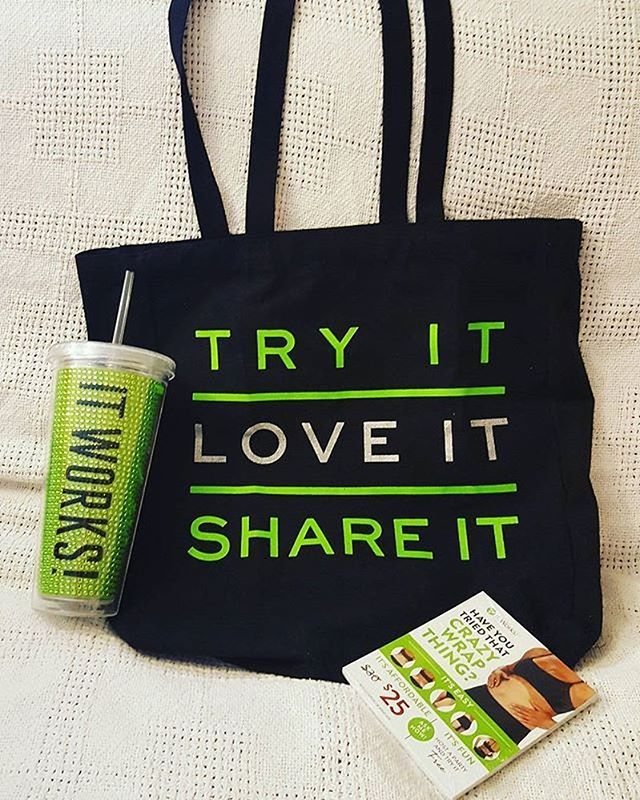 Put on your #BlackGreenBling and go BLITZ this weekend ! #ItWorksAdventure