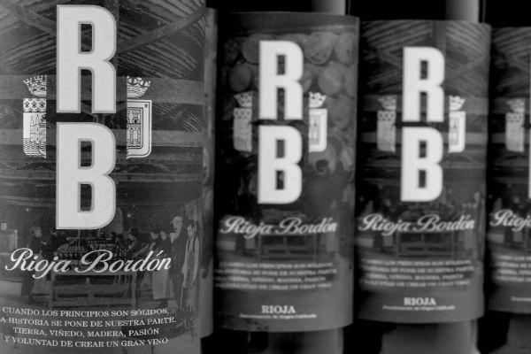 Vino Rioja Bordón Crianza Selección Histórica de Bodegas Franco Españolas. Un vino 100% tempranillo excepcional de 92 puntos y 90 en Decanter. Cuenta con varias medallas de Oro. http://masmit.com/ #vinotinto #rioja #bordon #crianza