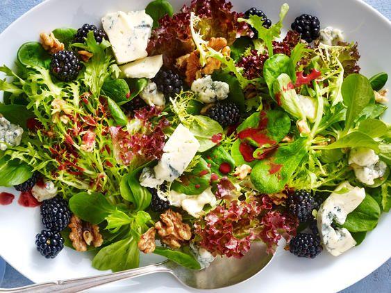 Grüner Salat mit Saint Agur