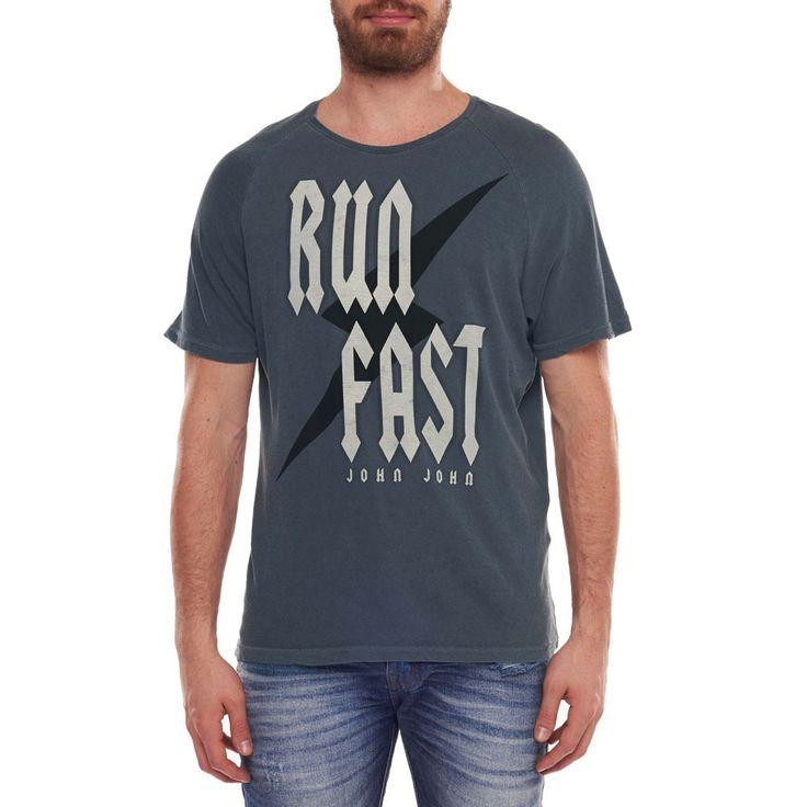 T-SHIRT RUN FAST JOHN JOHN DENIM   SHOP ONLINE   Compre a nova coleção pelo site oficial.