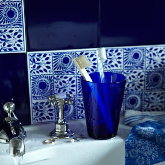 1000 images about azra9 blue on pinterest home for Blue tiled bathroom ideas