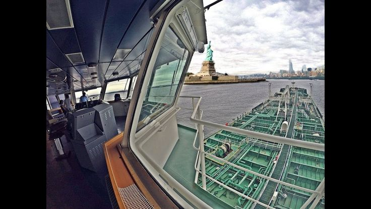 awesome Tanker Ship Arrival to New York   Time Lapse High definition