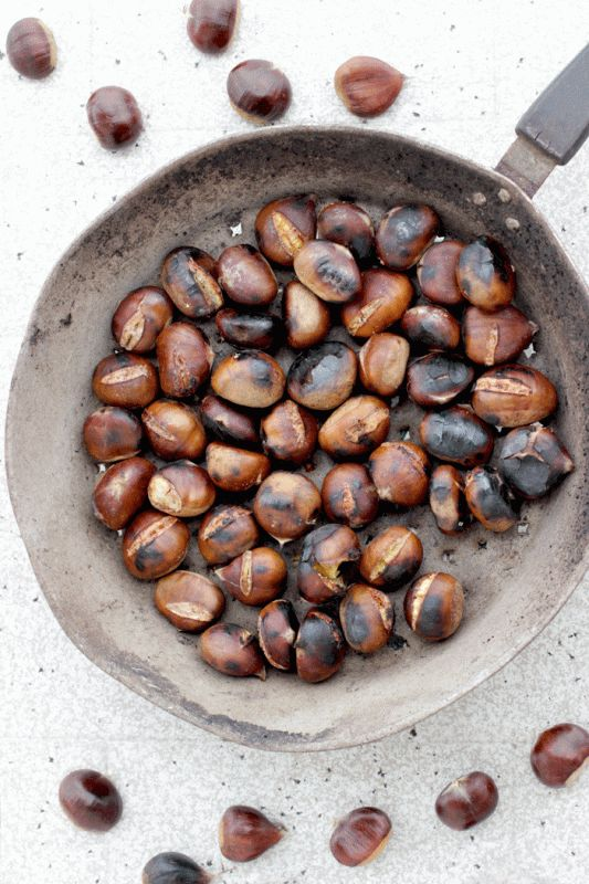 How To Make Roasted Chestnuts - There's nothing more comforting of the wonderful aroma of roasted chestnuts on a cold fall/winter day. Learn all the tricks to make this healthy treat and enjoy during the winter holidays.