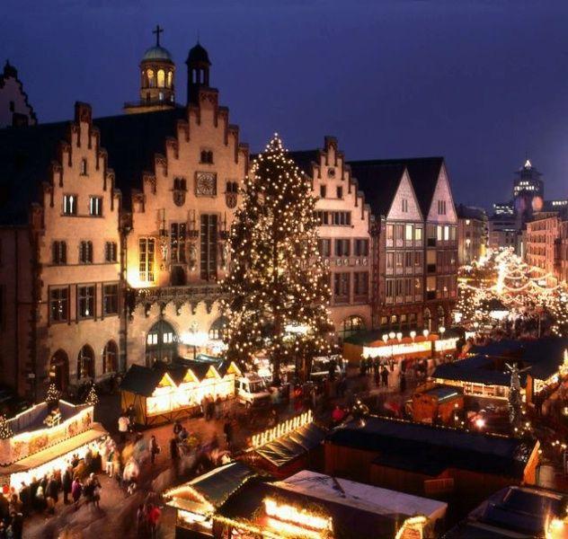 Christmas Market (weihnachtsmarkt), Heidelberg, Germany...Have to go back