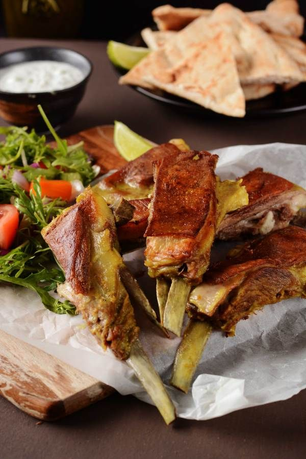 Tabakh Maaz (Kashmiri style lamb ribs) - a traditional dish that forms an integral part of the wazwan - thespiceadventuress.com