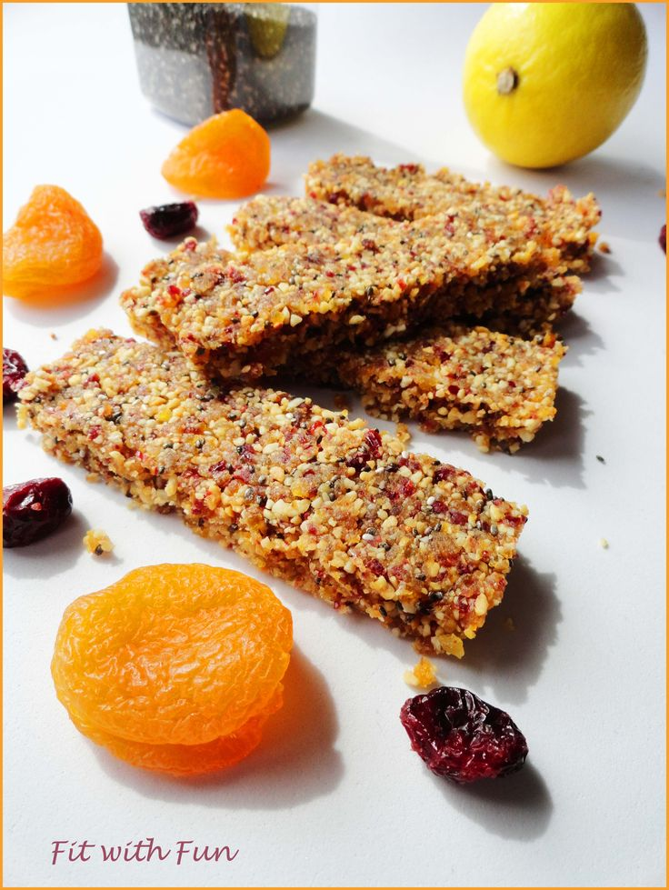 ⚡⚡💪 Mix Seeds & Apricot Energy Bars with lemon juice 🍊 ⚡⚡💪 Barrette Energetiche Albicocca e Semi con Succo di Limone 🍊 Raw, Vegan e Gluten Free! Gusto Davvero Strepitoso 😍 #foodblogger #training #iifym #iifymitalia #eatclean #light #fitfood #fitness #foodgasm #foodporn #fitwithfun #fitfam #bodybuilding #healthyfood #recipe #ricetta #bars #energy #vegan #raw #paleo #glutenfree #peanut #walnut #apricot #cranberries #chiaseeds #pumpkinseeds #lemon