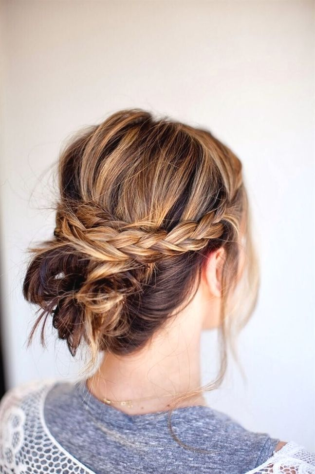Messy Braid Bun Easy Updo Hairstyle For Medium Hair In Need Of A Detox 10 New Hairstyles Hair Styles Medium Hair Styles Diy Bridal Hair
