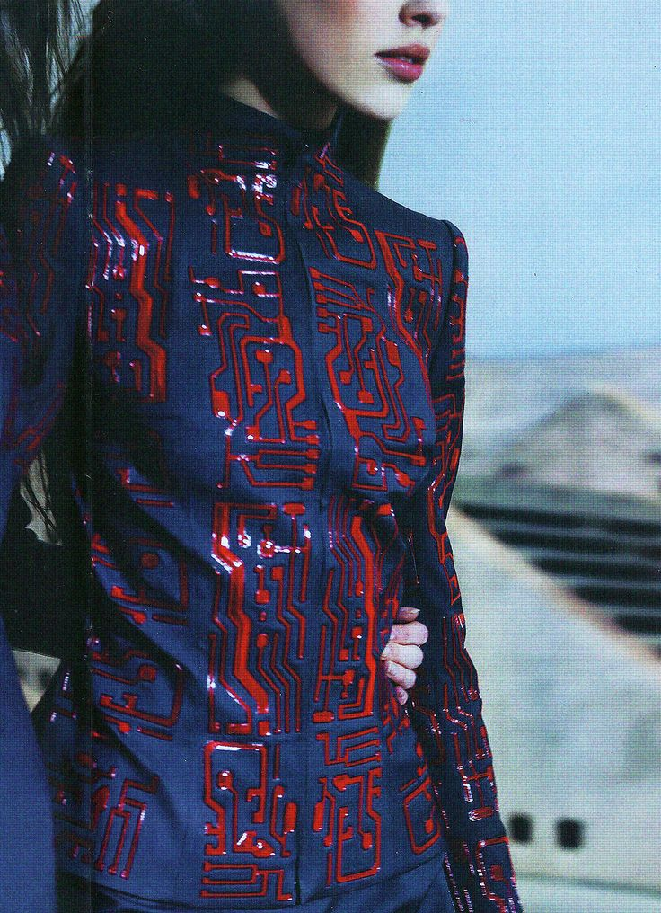raygunrobyn:  teal-deer:   Givenchy by Alexander McQueen Fall 1999 ad campaign by Craig McDean  Want  all of this